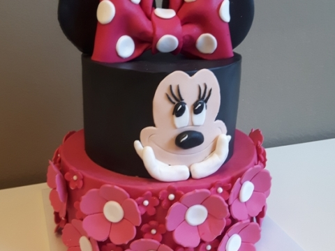 Minnie Mousse taart