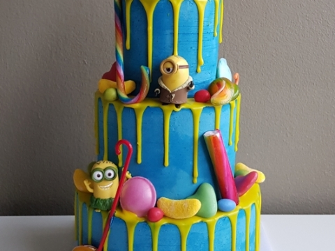 3 laags minion dripcake